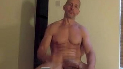 amateur gays   bodybuilder   cocks